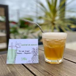 - COCKTAIL DU MOMENT - 🍹   Vous pensez que c'est une bière ? Et bien non , c'est notre nouveau cocktail :   • Thé noir frappé Ananas-Gingembre 🍍•  Du thé noir , du coulis d'ananas , du sirop de gingembre et hop le tout dans le shaker !   Ultra frais, ultra rafraîchissant, parfait pour finir l'été en beauté ! 💦  Rendez-vous chez COULEUR Café ! ✅