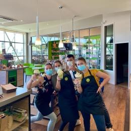 - RÉOUVERTURE TOTALE - 🙌    Toute l'équipe de COULEUR Café a hâte de vous retrouver et de vous faire découvrir notre nouvelle carte ! 😊  1) Installez-vous confortablement dans nos fauteuils ou canapés pour votre petit-dej' !  2) Profitez de votre coffee shop climatisé pour votre pause-goûter ! 3) Savourez nos délicieuses boissons fraîches ou chaudes comme au bon vieux temps ! ☕️  #ouverture #coffeeshop #opening #coffee #cafe #torrefacteur #tarn #castres #albi
