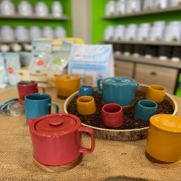 La nouvelle co' estivale de tasses, théières et mugs vient de pointer le bout de son nez chez Couleur Café ! 🌻  Rendez-vous en boutique ! ✅   #coffeeshop #deco #tasses #mugs #théière #tea #coffee #cafe #thé #tarn #castres #albi @semadesignofficiel