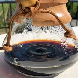 • CHEMEX ☕️ la cafetière filtre idéale pour un réveil en douceur ! #chemex #coffee #morning #torrefacteur #roaster #minervois #cafe